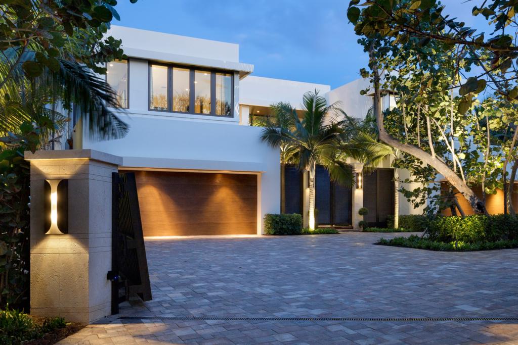 /portfolio/todays-modern-architecture/1115-hillsboro-mile/
